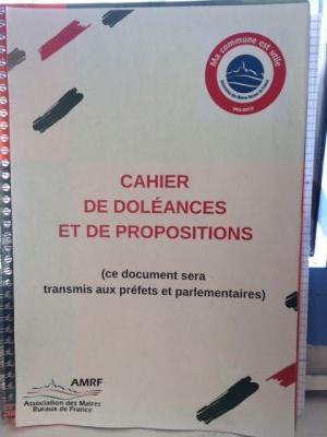 cahier de dolénaces proposé à la mairie