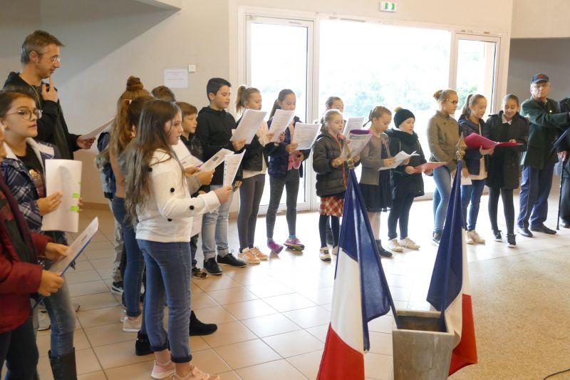 Les hymnes européen et national