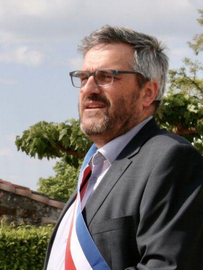 M. André Laurent